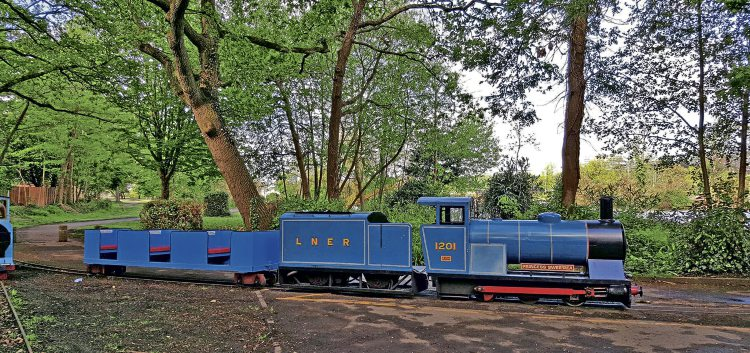 Poole Park Railway engine and carriages 'for sale' – Heritage Railway