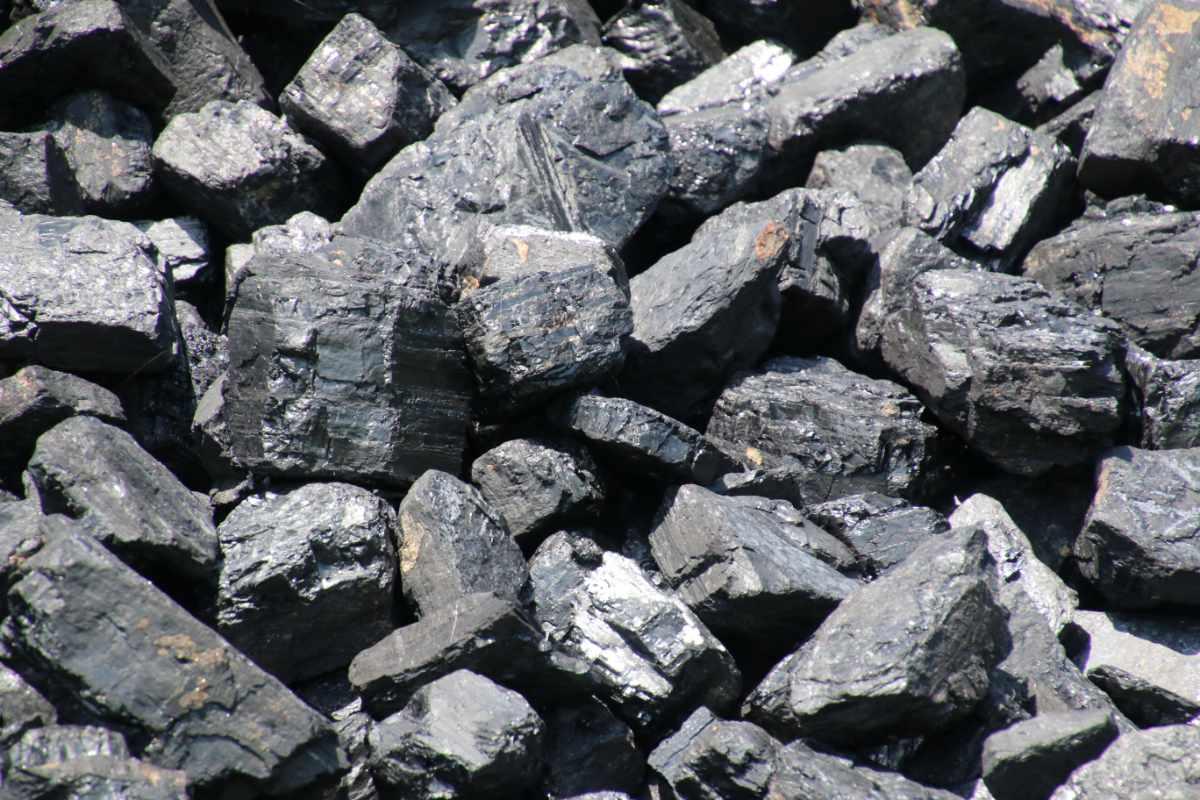 Heritage Railway Association supports last gasp bid to save UK coal