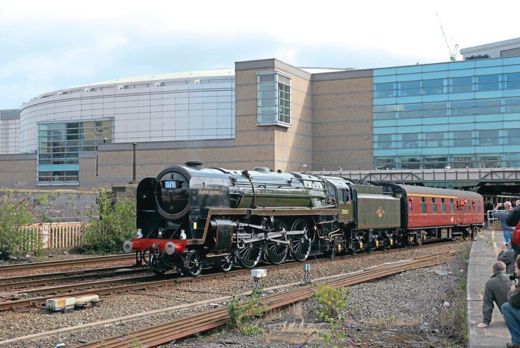 BR Standard Britannia No. 70013 Oliver Cromwell